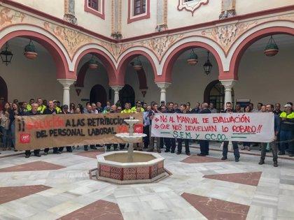 """El Consistorio de Alcalá defiende su """"solución"""" a la productividad y avisa que los laborales la piden """"fija"""""""
