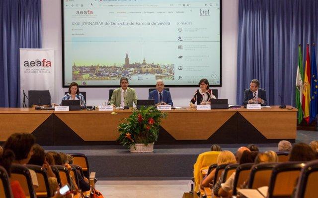 Más de 300 letrados de todo el país asisten en Sevilla a las XXIII Jornadas de Derecho de Familia