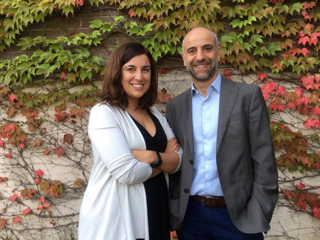 Los investigadores Maria Salgado y Javier Martínez-Picado del Irsicaixa