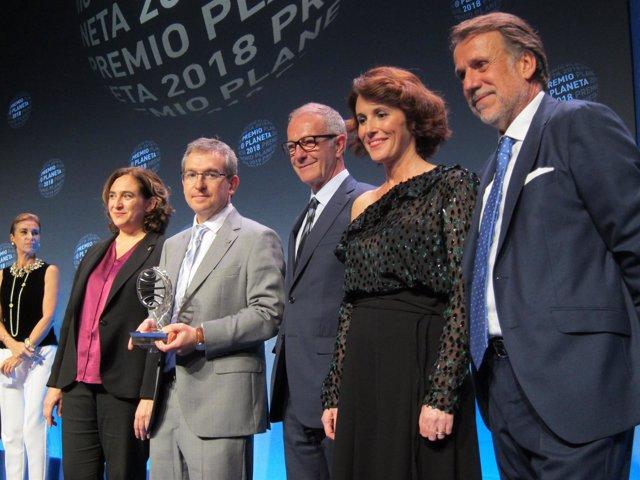 Santiago Posteguillo y Ayanta Barilli, ganador y finalista del Premio Planeta