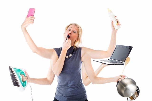 Las mujeres multitarea