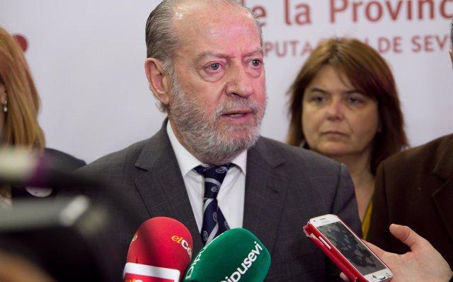 Castilleja de la Cuesta licita la mejora de 12 calles y del equipamiento de deportivo de Plaza de España