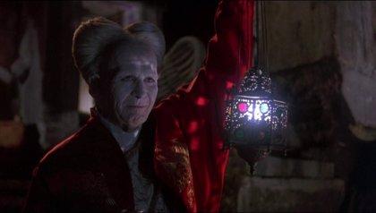 Los creadores de Sherlock preparan una serie de Drácula para Netflix y BBC