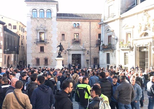"""Imagen concentración de policías municipales de Madrid por un """"acuerdo digno"""""""