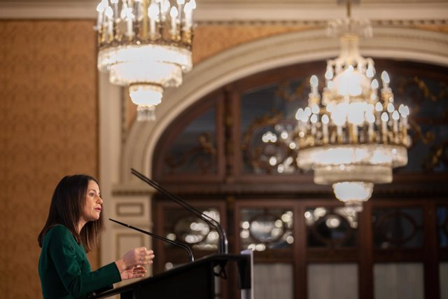 En Sevilla, la portavoz nacional de Ciudadanos (Cs), Inés Arrimadas, y el candid