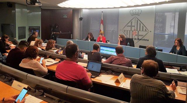 Comisión de Derechos Sociales de Barcelona, con la .Alcalde Laia Ortiz