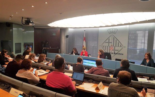 Barcelona crea una guía para impulsar la participación de niños en proyectos municipales