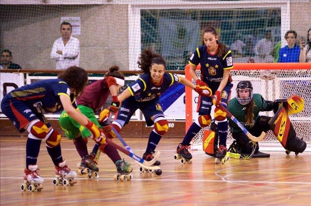 La selección española de hockey patines femenina en el Europeo de Portugal.