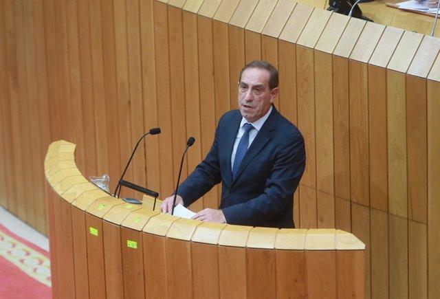El conselleiro de Facenda, Valeriano Martínez, este martes en el Parlamento
