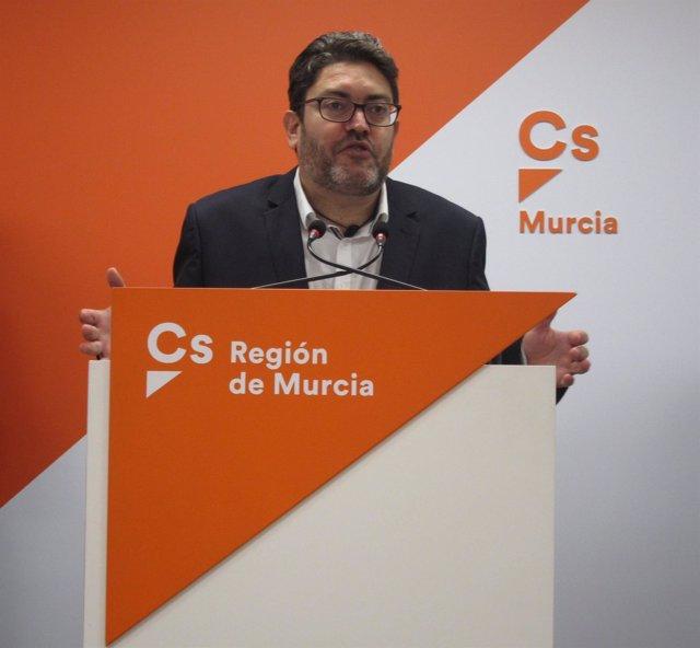 El portavoz regional de Cs, Miguel Sánchez