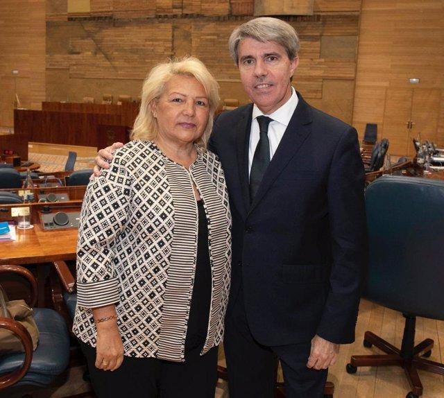 El presidente de la Comunidad, Ángel Garrido, y María Ángeles Pedraza