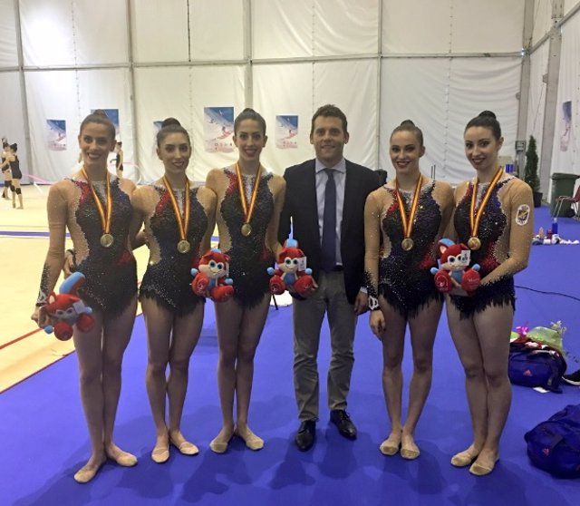 Equipo español gimnasia rítmica oro Copa Mundo Jesús Carballo