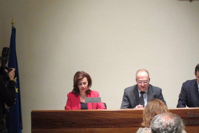 Esther Fernández Díaz, a la izquierda