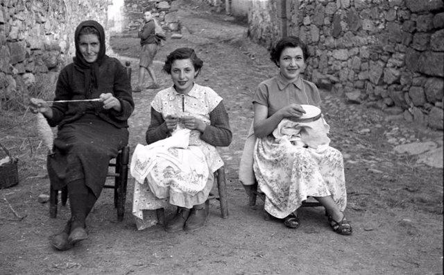 'Mujeres Del Campo Salmantino [Secuencia De Imágenes 1930-1970]'