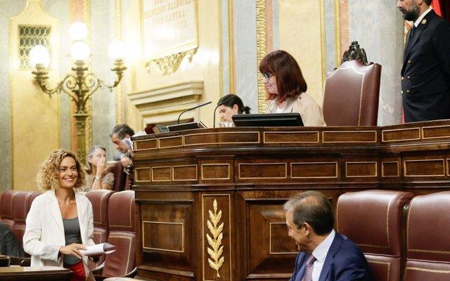 El PSOE ofrece al PDeCAT un acuerdo en el Congreso para ir agilizando inversiones en Cataluña