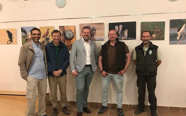 La Junta organiza una exposición fotográfica sobre la avifauna del Parque Natural Sierras Subbéticas