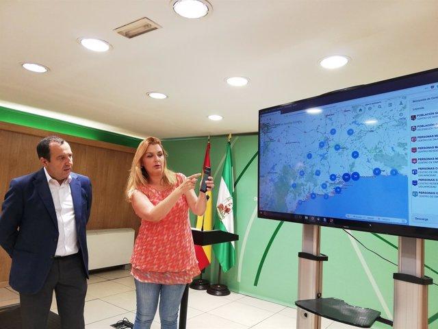 Ruiz Espejo con Ana Isabel González presentan app aplicación servicios sociales