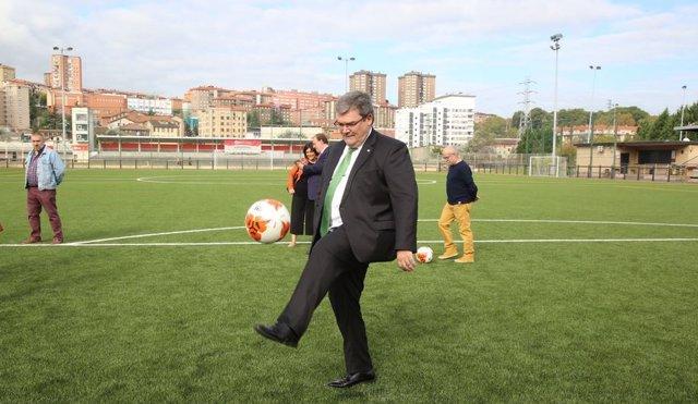 El alcalde en el nuevo parque