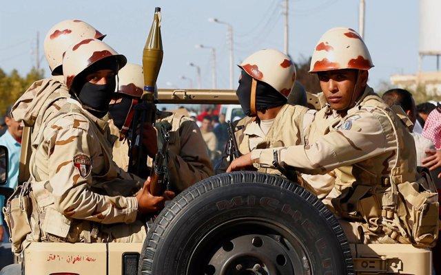 Egipto cifra en más de 450 los supuestos terroristas muertos en el marco de la última campaña militar