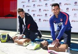 Antonio Adán practica maniobras de reanimación cardiopulmonar