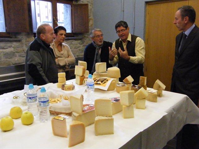 Jurado del concurso de quesos de la Feria de Otoño de Biescas