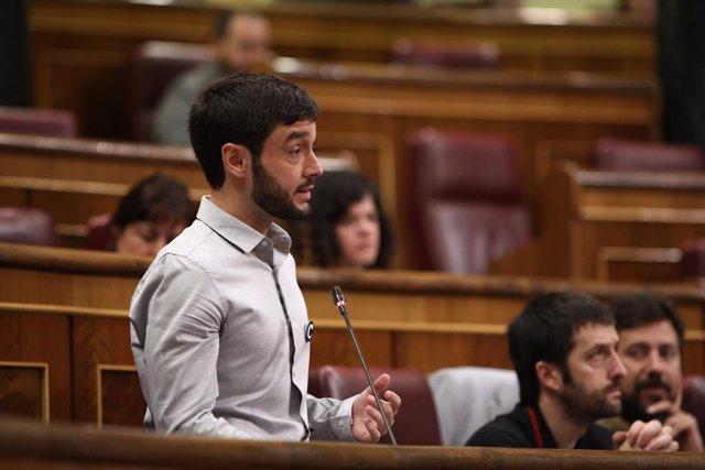 Pablo Bustinduy, de Podemos, en la sesión de control al Gobierno en el Congreso