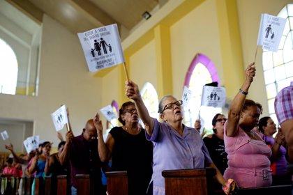 Las iglesias evangélicas de Cuba recogen firmas contra la legalización del matrimonio homosexual