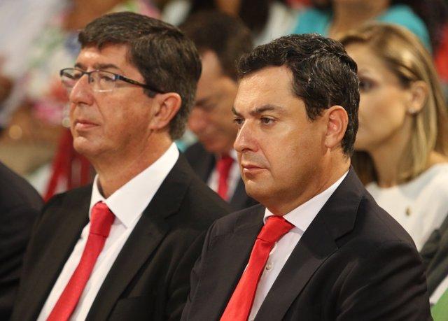 Juan Marín (Cs), a la izquierda, y Juanma Moreno (PP-A), a la derecha
