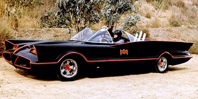 Batmovil de Adam West en la serie de Batman