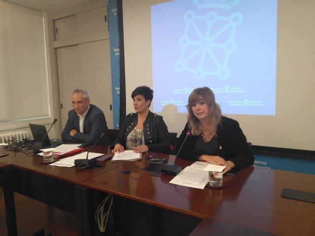 Los consejeros Mikel Aranburu, María Solana y Ana Ollo.