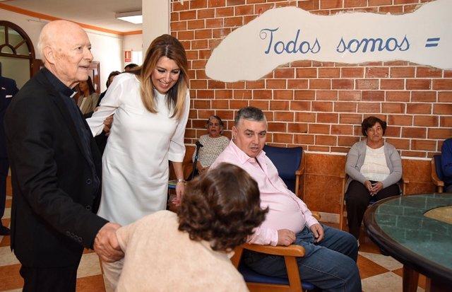 Susana Díaz visita el Complejo Casa-Hogar El Cristo Roto.