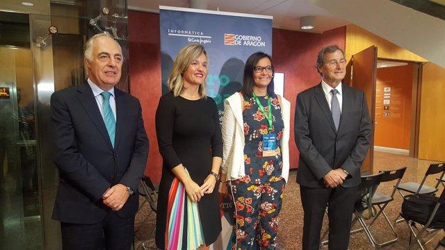 Pilar Alegría en la inauguración del Foro Mujer y TIC, en Ibercaja