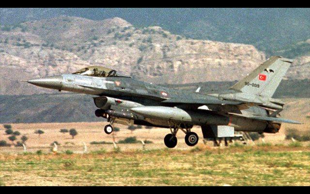 Turquía asegura haber 'neutralizado' a doce presuntos miembros del PKK en un bombardeo en Irak