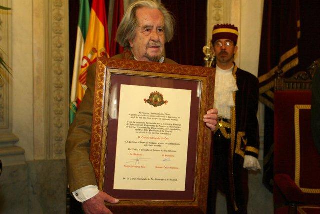 Carlos Edmundo de Ory, en su nombramiento como Hijo Predilecto de Cádiz
