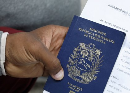 Perú volverá a exigir el pasaporte a los venezolanos