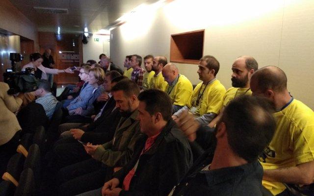 El parlamento asturiano pide a la multinacional Alcoa que rectifique su decisión de cierre en Avilés