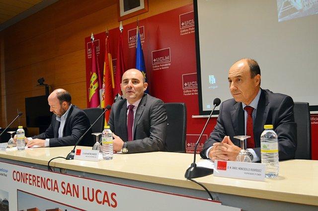 El decano de la Facultad de Medicina de la UCLM en Ciudad Real, Alino Martínez