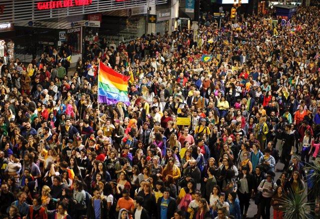 Marcha anual por el orgullo LGBT en Uruguay