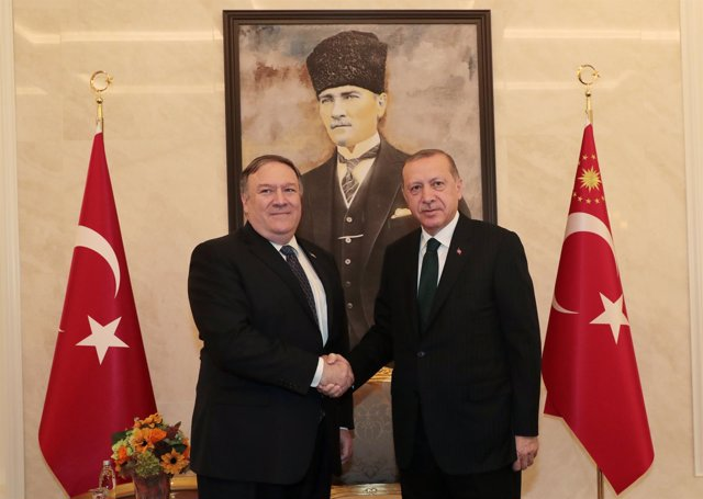 Mike Pompeo y Recep Tayyip Erdogan