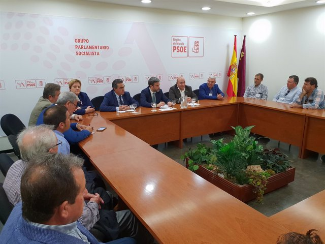 Imagen de la reunión en la Asamblea