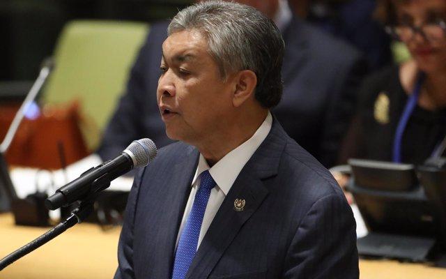 El ex viceprimer ministro malasio Ahmad Zahid Hamidi se enfrenta a acusaciones de soborno y lavado de dinero