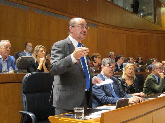 Javier Lambán, en el pleno de las Cortes