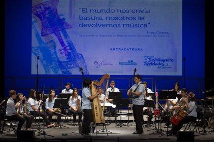 La orquesta de instrumentos reciclados de Cateura (Paraguay) subirá con Los chicos del Coro el 2 de enero al Teatro Real