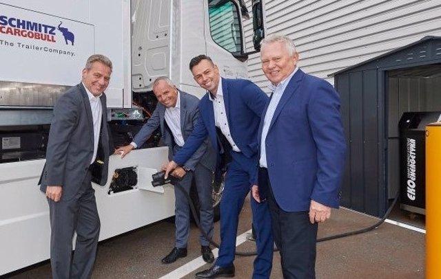 Mercedes-Benz lanza los priemros camiones eléctricos