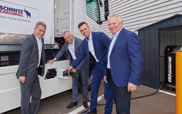 Mercedes-Benz lanza los primeros camiones eléctricos para el transporte de alimentos en Hamburgo