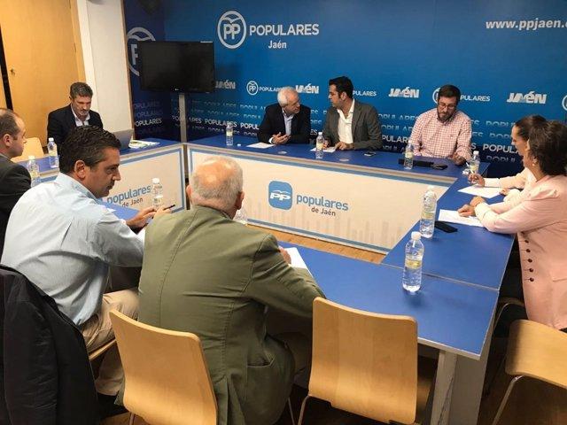 Reunión del PP con los agentes económicos