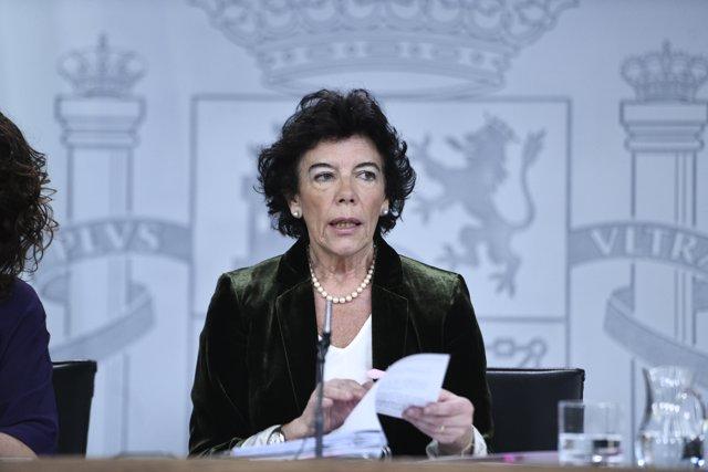 Isabel Celaá y María Jesús Montero en rueda de prensa tras el Consejo de Ministros del Gobierno