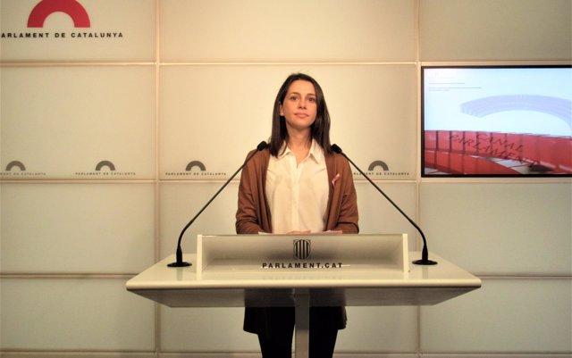 Inés Arrimadas considera 'una humillación' buscar en la cárcel el voto de ERC a los Presupuestos