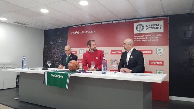 Rueda reto guinness records málaga 8.000 votando balon baloncesto unicaja