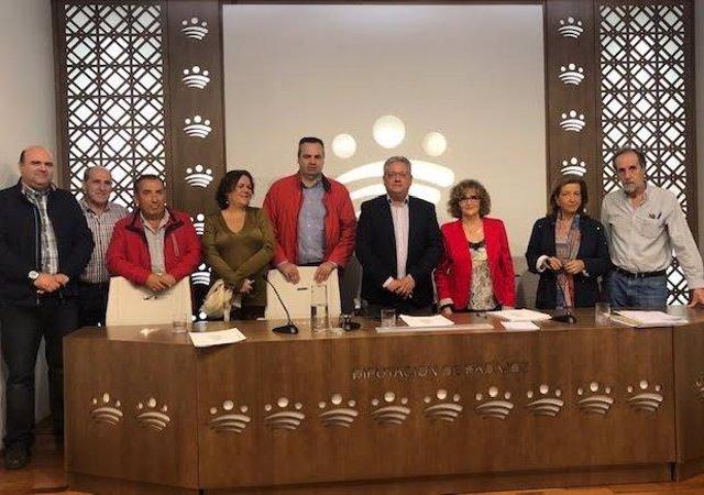 Firma convenio entre la Diputación de Badajoz y Apamex